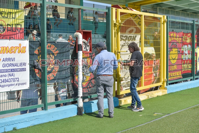 Ragosta accoglie i tifosi del Messina con delle paste per scusarsi dei disagi per la vendita dei tagliandi